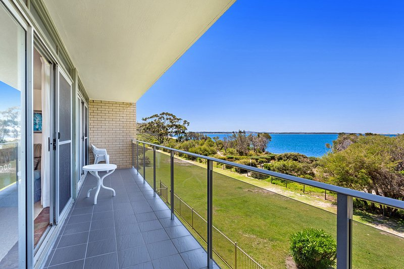 The Helm, 3/22 Voyager Close, holiday rental in Nelson Bay