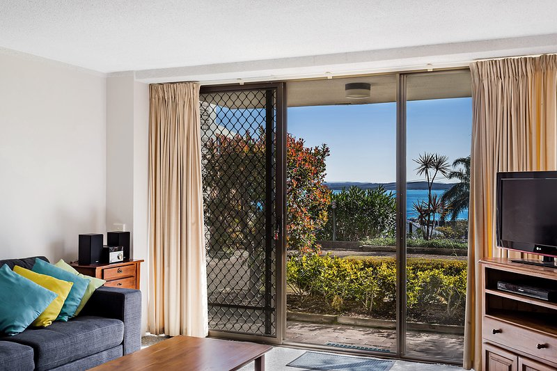 Portside, Unit 8/1 Donald Street, holiday rental in Nelson Bay