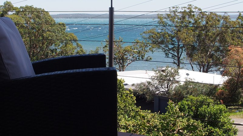 Pollys' View, 117A Government Road, holiday rental in Nelson Bay
