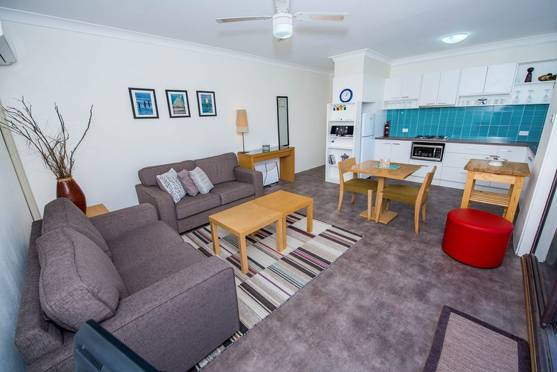 Kimbriki Unit 8 - 16 Messines St Shoal Bay, vacation rental in Greater Newcastle