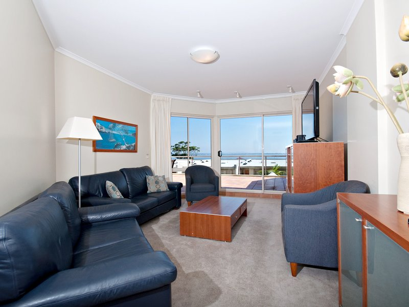 Breakwater Apartment, Unit 104/2 Messines Street, holiday rental in Shoal Bay