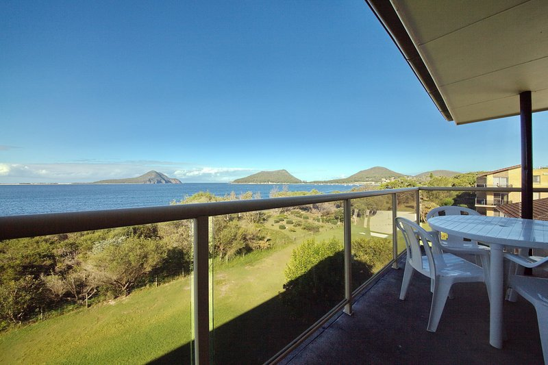 Shoalhaven, Unit 6/28 Voyager Close, holiday rental in Nelson Bay