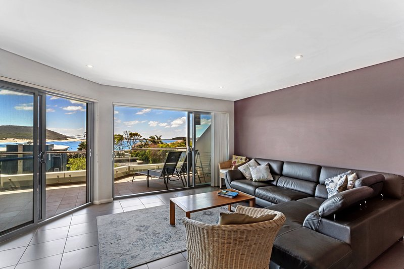 Surfside Apartments, Unit 5/6-10 Market Street, vacation rental in Fingal Bay