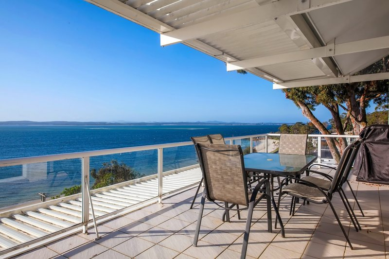 Classic View, 2/49 Victoria Parade, holiday rental in Nelson Bay