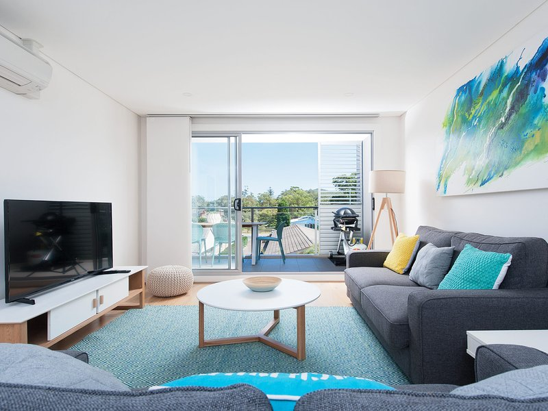 The Shoal Apartments, Unit 202/4-8  Bullecourt Street, holiday rental in Shoal Bay