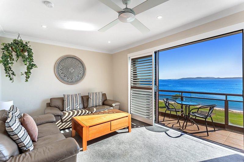 Collendina, Unit 6/19 Kurrawa Close, holiday rental in Nelson Bay