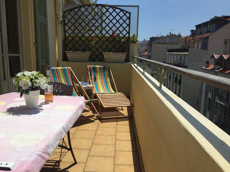 32 Rue Gounod - Great central apt w/ large terrace – semesterbostad i Nice