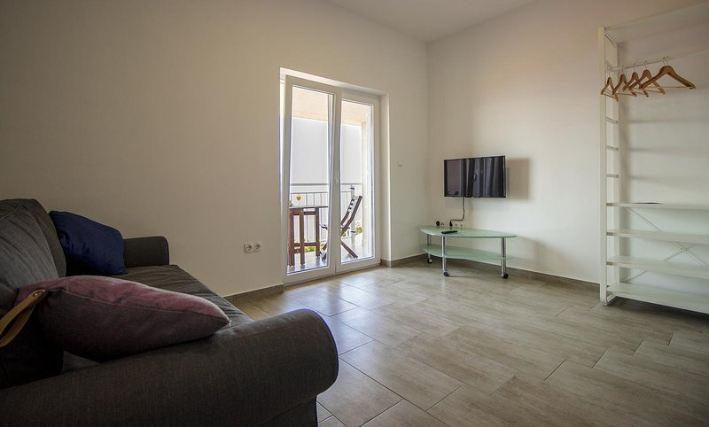 Celina Apartment Sleeps 4 with Pool and Air Con - 5842199, vacation rental in Ruskamen