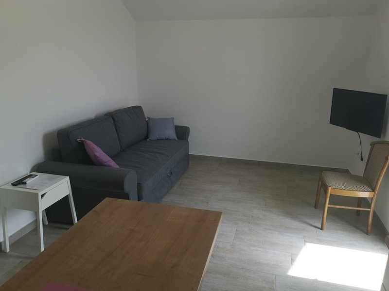 Celina Apartment Sleeps 4 with Pool and Air Con - 5842200, vacation rental in Ruskamen