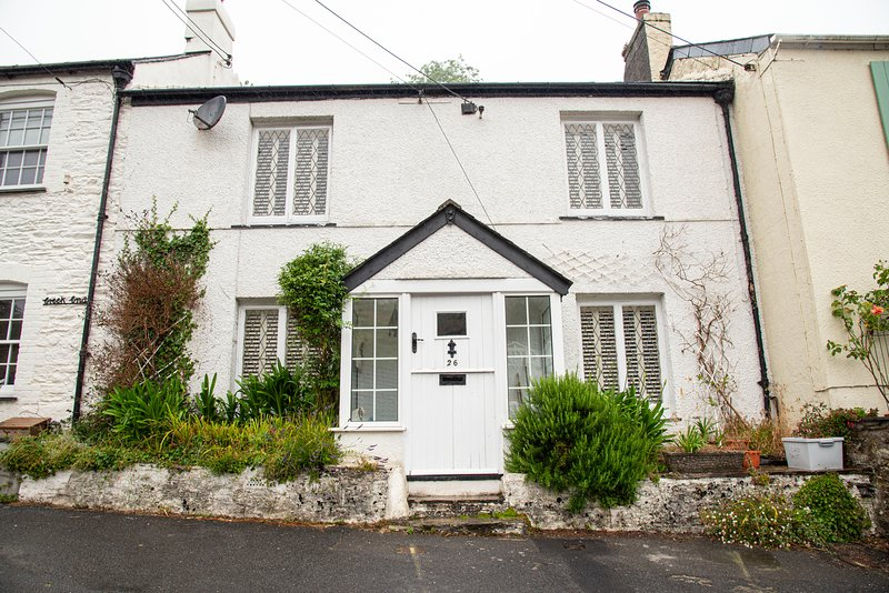 Delightful character cottage in the heart of Noss Mayo, South Hams, Devon, vacation rental in Noss Mayo