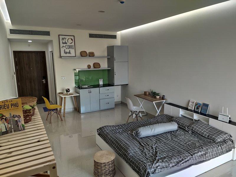 Enjoy green park studio at crecsent lake, vacation rental in Tan An