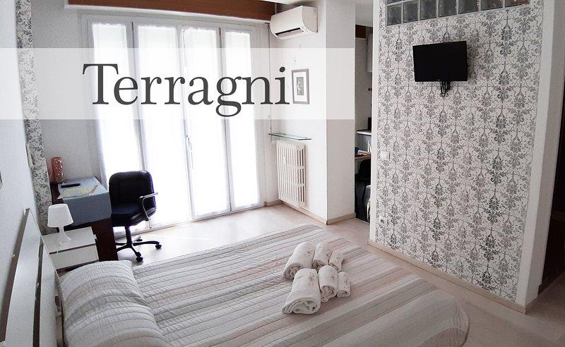 Manzoni Residence - Monolocale nel cuore di Como - Terragni, holiday rental in Brunate