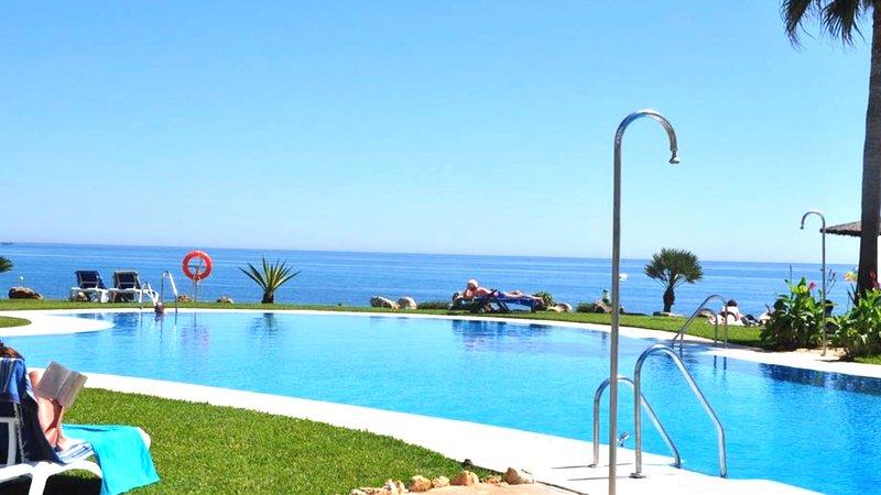 MI CAPRICHO  Apartamento junto al mar para 6 personas, holiday rental in Sitio de Calahonda