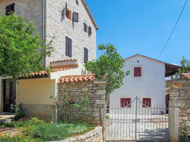 Gortan (KST102), holiday rental in Kastelir
