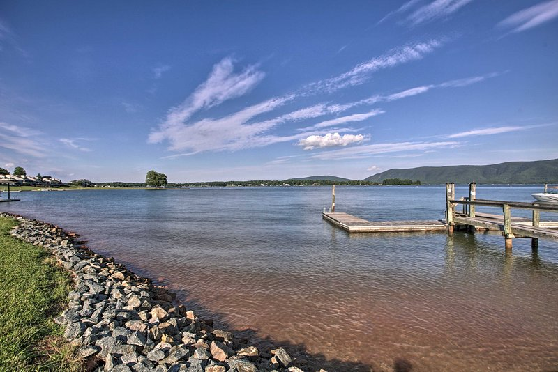 Bernard's Landing Amenities | Smith Mountain Lake