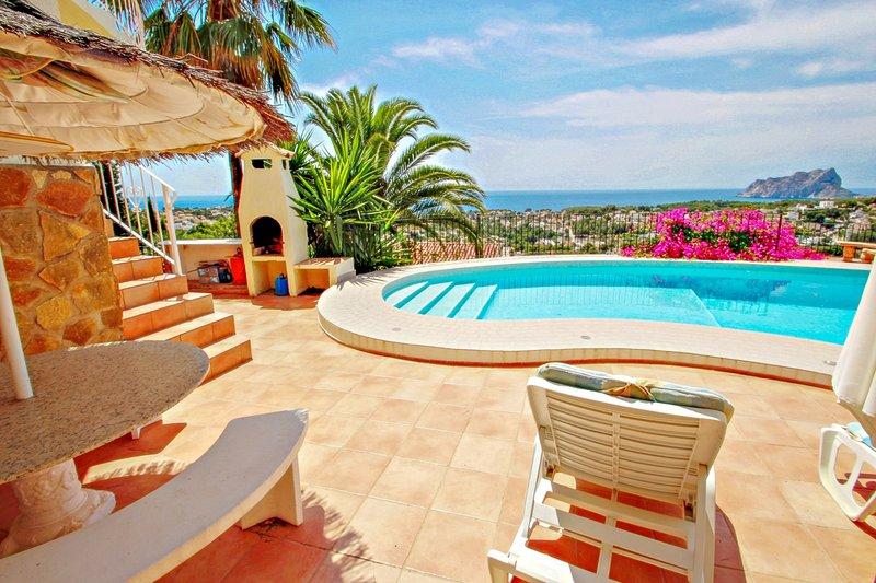Los Llanos - sea view villa with private pool in Benissa, holiday rental in Benimeit