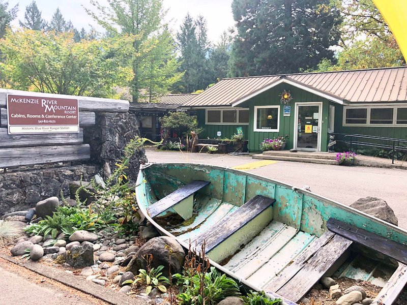 Our micro resort used to be a Ranger Station!  Great for groups, family reunions & retreats.