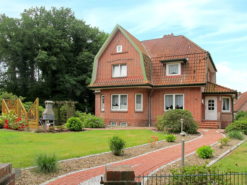 Nice home in Wingst with 2 Bedrooms and WiFi, vacation rental in Lamstedt