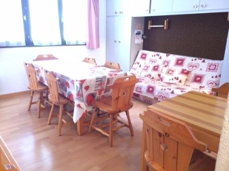 Appartement Studio cabine 8 couchages RISOUL 1850, vacation rental in Risoul