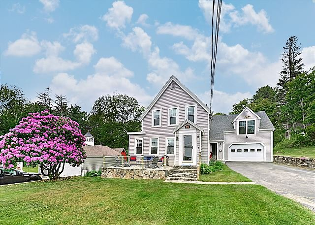 The Historic Harrington House - In Town w/ Ocean Views!, location de vacances à Bayville