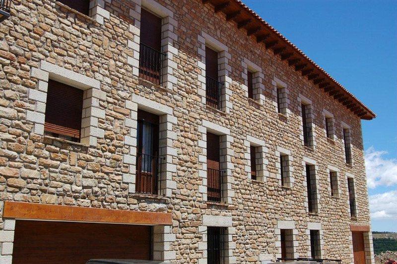 Alojamiento Rural Apartamentos Benages Chiva, holiday rental in Rubielos de Mora