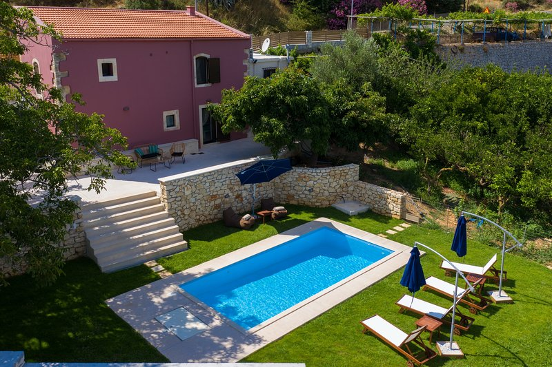 Rural Villa, Private pool, Beautiful landscape, 6 Persons, holiday rental in Meronas