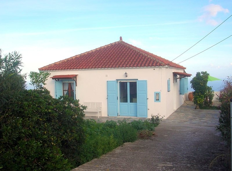 Kefalas nr Almyrida detached sea view cottage, holiday rental in Kefalas