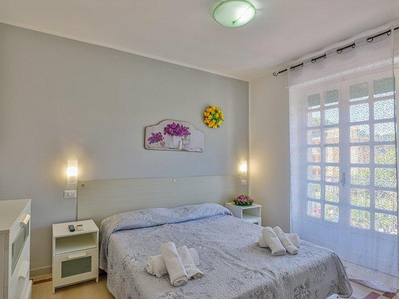 Room in hotel in Paestum 50 meters from the beach ID 3990, holiday rental in Santa Venere