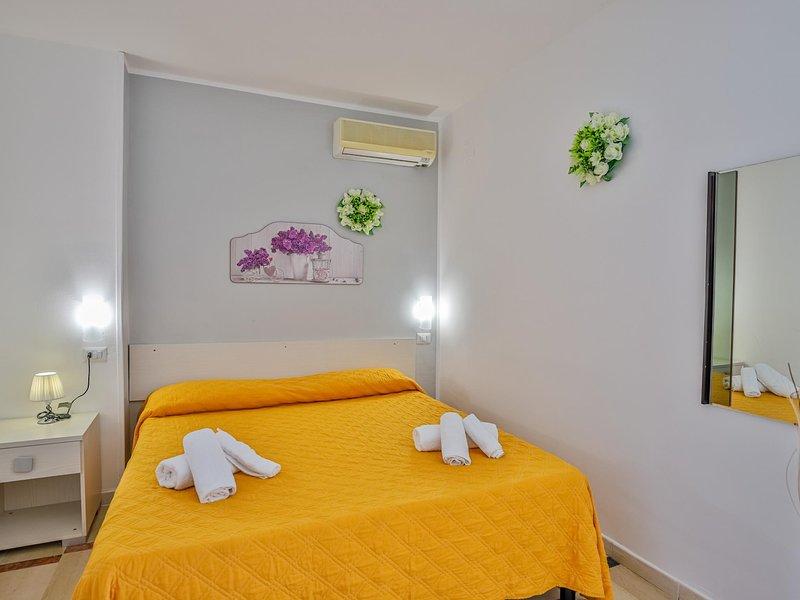 Room in hotel in Paestum 50 meters from the beach ID 3987, holiday rental in Santa Venere