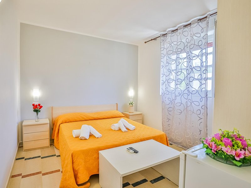 Room in hotel in Paestum 50 meters from the beach ID 3992, holiday rental in Santa Venere