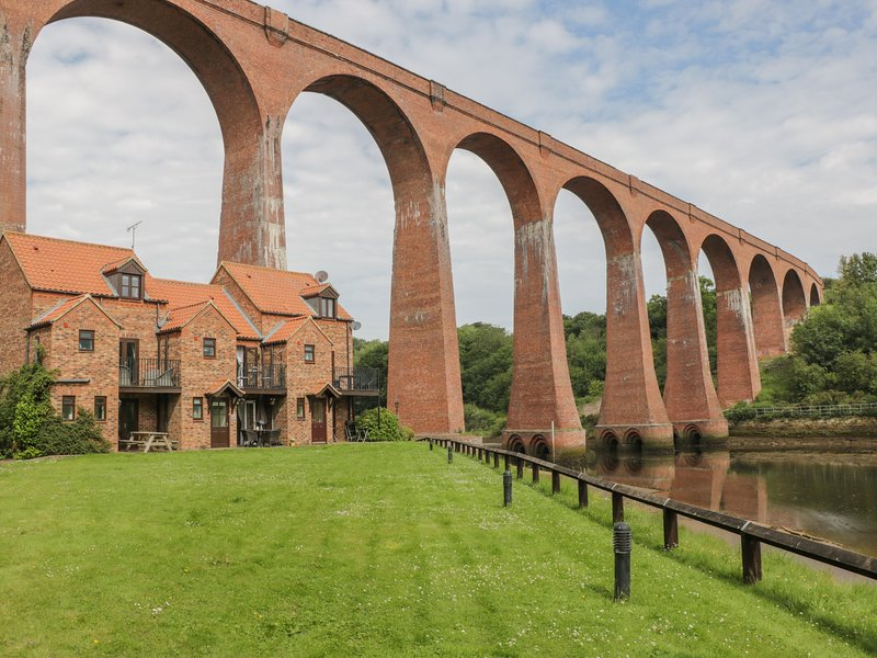 Maplebeck, Whitby, holiday rental in Ruswarp