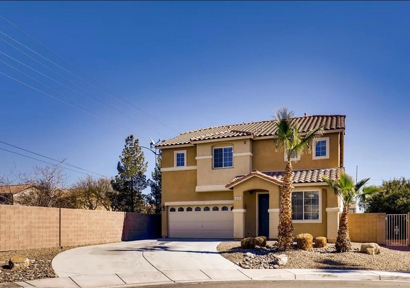 ultra Modernhome20minfrom the Stripspecial Monthly, location de vacances à North Las Vegas