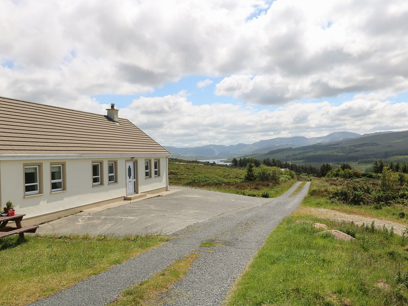 Errigal View House, Gweedore, County Donegal, vacation rental in Loughanure