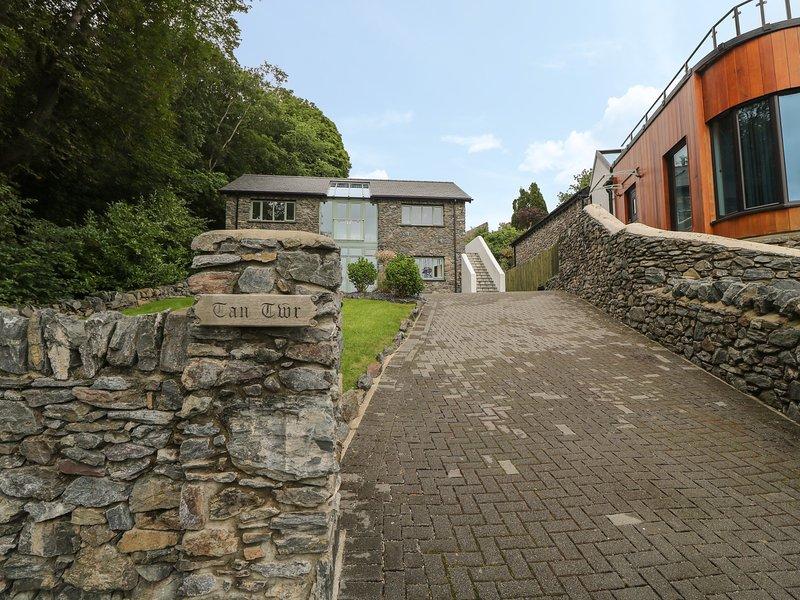 Tan Twr, Llanfairpwll, holiday rental in Llanfairpwllgwyngyll