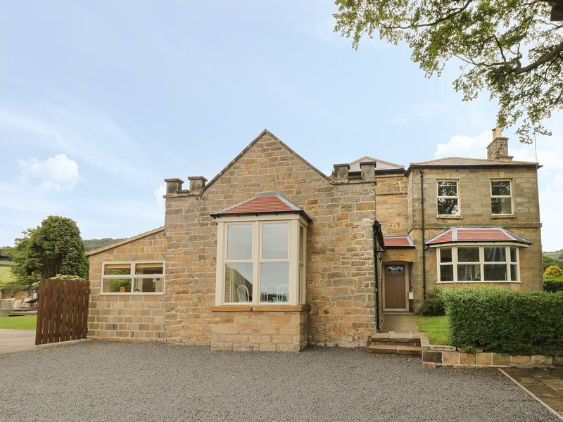 1 Thorpe Green, Robin Hood's Bay, holiday rental in Robin Hood's Bay