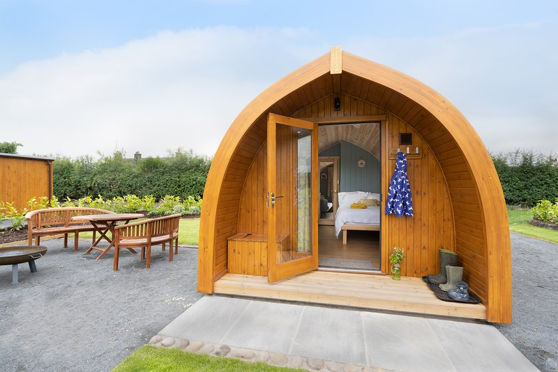 Orchard Glamping -Willow Pod, vacation rental in Bleasdale