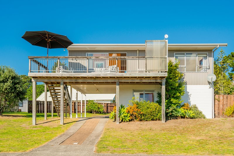 Off the Hook - Pauanui Holiday home, Pauanui, vacation rental in Thames
