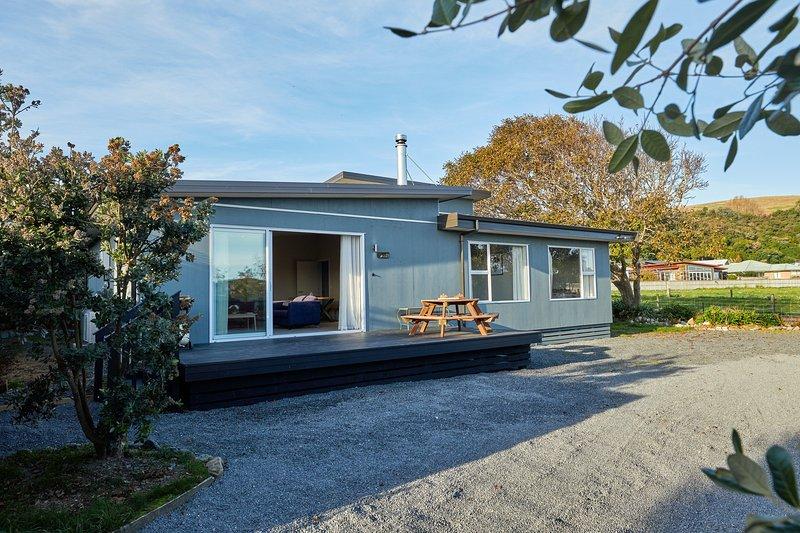 Simon's Place - Kaikoura Holiday Home, Kaikoura, vacation rental in Kaikoura
