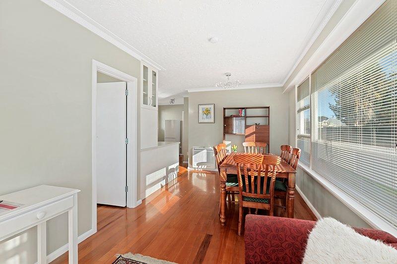 Coastal City Retreat - New Brighton Holiday Home, Christchurch, vacation rental in Canterbury Region