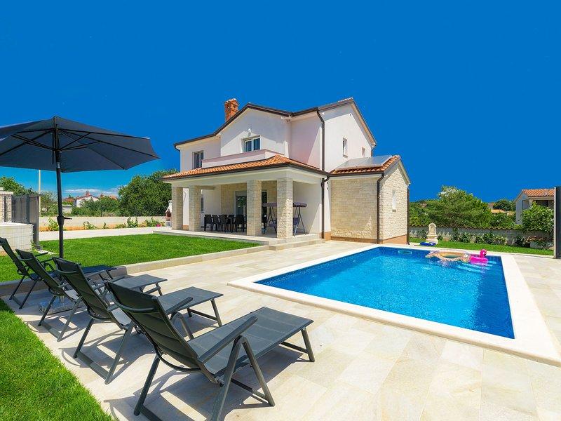 Villa Zirdum, holiday rental in Nova Vas