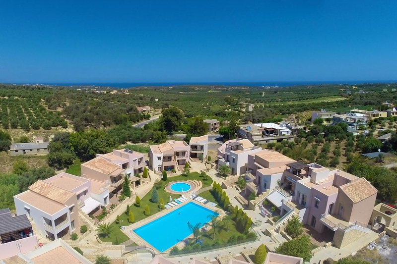 Modern Villa in Loutra, holiday rental in Mesi
