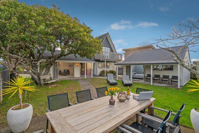 Sunshine Retreat - Pauanui Holiday Home, Pauanui, vacation rental in Thames