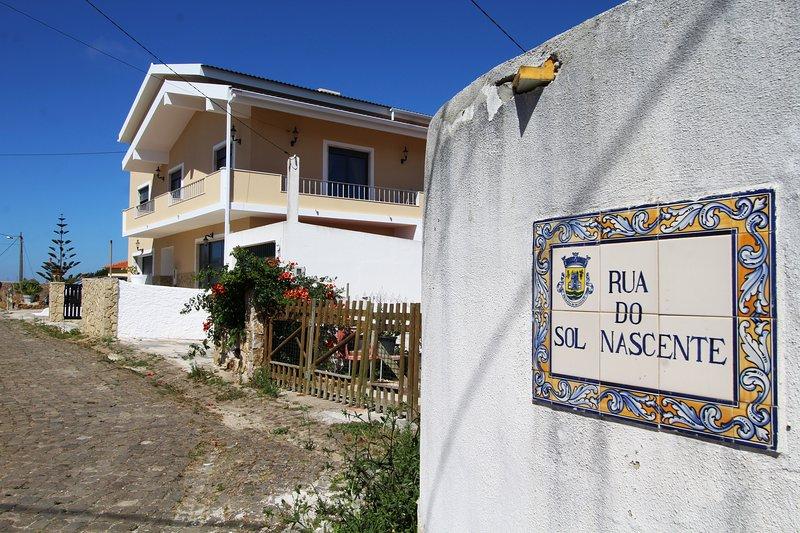 Casa Sol Nascente: house of the rising sun., holiday rental in Casais de Sao Lourenco