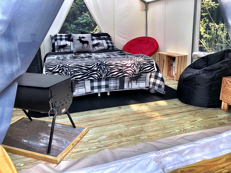 Tentrr Signature Site - ATV Katahdin Moose Kamp, vacation rental in Island Falls