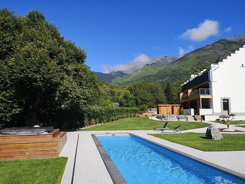 Suite L'Argalyde avec jacuzzi privé sur terrasse avec vue sur les Pyrénées, casa vacanza a Arcizans-Avant