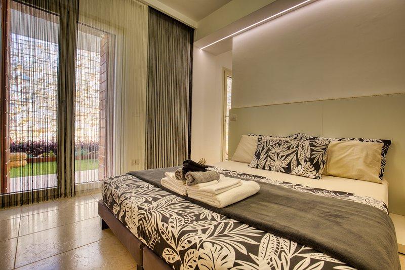 Residenze Longhi B&B 'Tulipano', holiday rental in Genova-Rulli