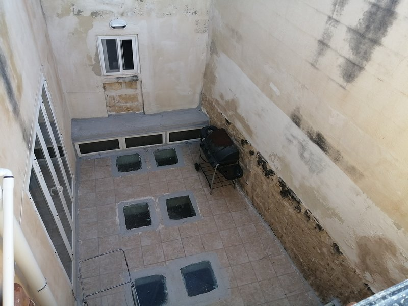 Studio apartment in a historic house in Haz-Zebbug Malta, location de vacances à Haz-Zebbug
