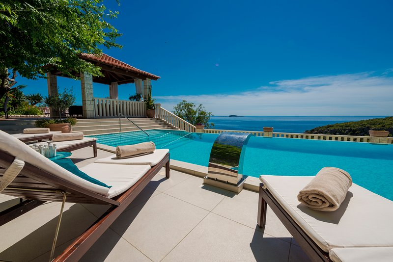 Mediterranean villa with astonishing view over the Adriatic sea and private pool, holiday rental in Soline