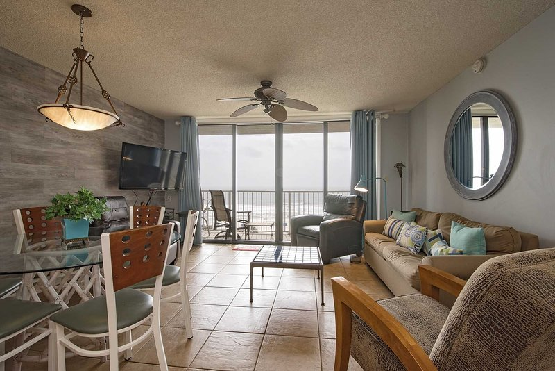 Spring Into A Vacation ~ Great Location ~ Gulf View ~ Seaside Beach & Racquet 57, alquiler de vacaciones en Orange Beach