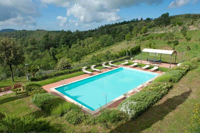 Fornoli Villa Sleeps 12 with Pool - 5841868, holiday rental in Scrofiano